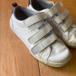 Gap boys Velcro sneakers size 1 white